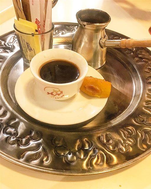 اشرب قهوتك مرة و عيش سعيدا بحلوها و مرها.... butfirstcoffee ... (قهوة البريمو)