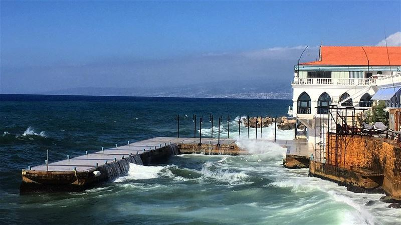 The sound of waves crashing on the shore is one of the most Relaxing... (Beirut, Lebanon)