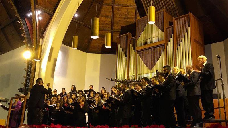 Christmas carols 🎄🎅😍 liveloveaub aubuniversity livelovebeirut ... (American University of Beirut (AUB))