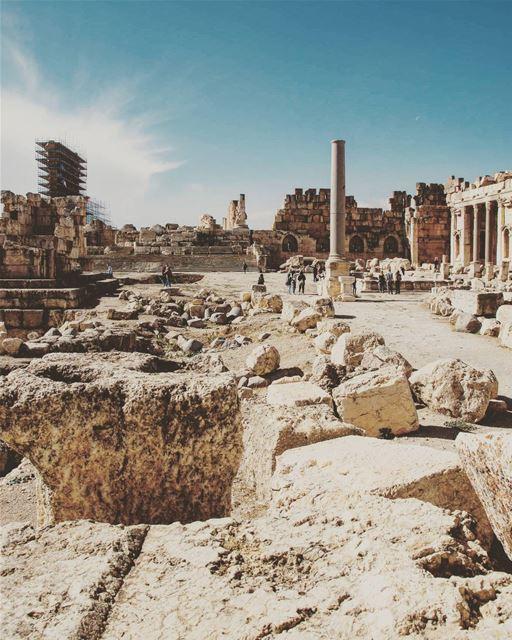 Location : Baalbak, Lebanon earthpix earthofficial exploretocreate ... (Baalbek, Lebanon)