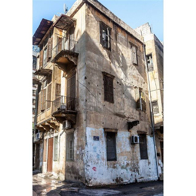 travel  old  oldbuilding  abandoned  urban  architecture ... (Beirut, Lebanon)