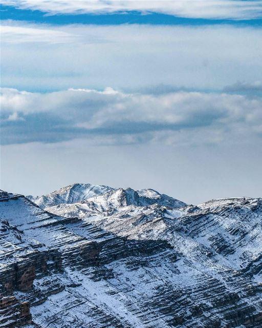 Alpes libaneses. Foto recente tirada pelo @elias.ac 🇱🇧 Lebanese Alps.... (Lebanon)