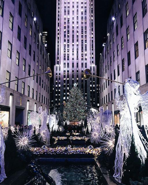 It's Christmas in NYC 🎄🏙 NYC NewYorkCity NewYork midtown ... (Rockefeller Center)