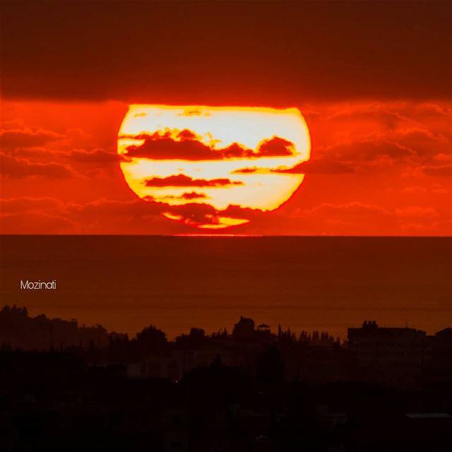 Magical Moment.. 💞💞💞 -_-_-_-_-_-_-_-_--_-_-_-_-_-_--_-_-_ sunset... (Hoûmîne El Faouqa, Al Janub, Lebanon)