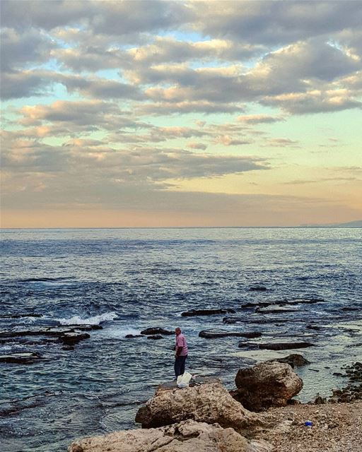 Alone with his great blue expectations...🎣 hello fisherman  beirut... (Beirut, Lebanon)
