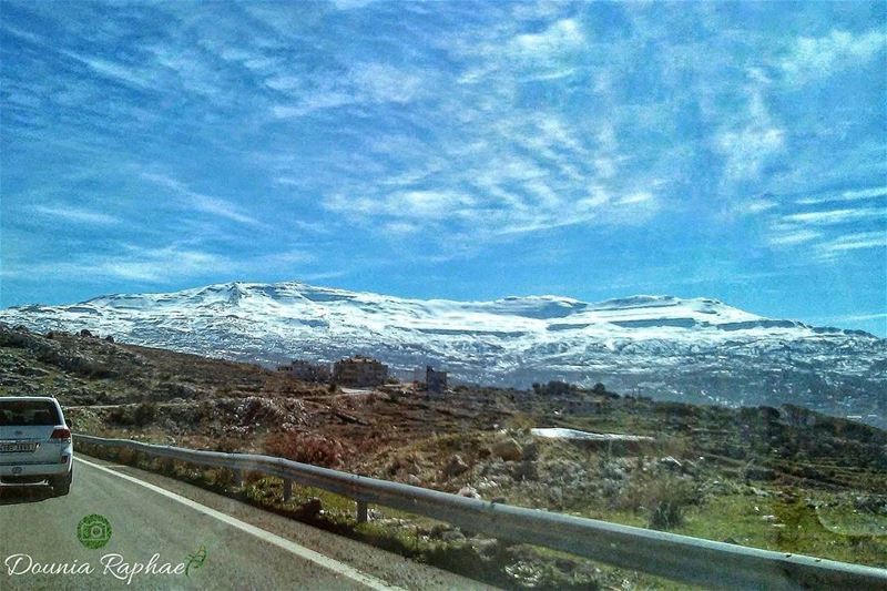 Is the mountain calling you? 🏔️... winter  snow  mountains ... (El Mtaïn, Mont-Liban, Lebanon)
