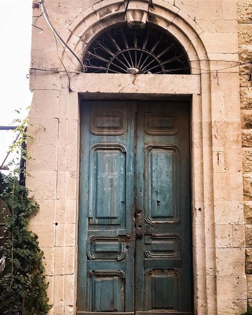 Behind the green door lebanon