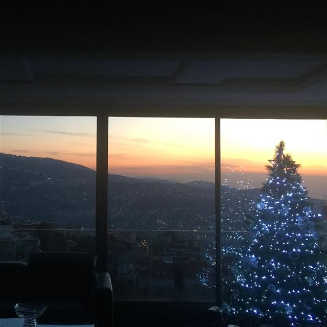 home homesweethome christmastree tistheseason view mountains sunset... (Balloûné, Mont-Liban, Lebanon)