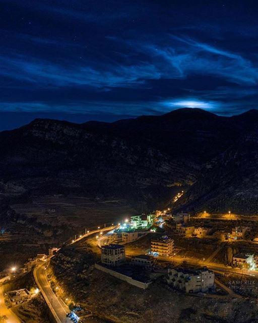 Nighty from Jezzine تصبحون على خير من جزين جنوب لبنانPhoto taken by @rami (Jezzine District)