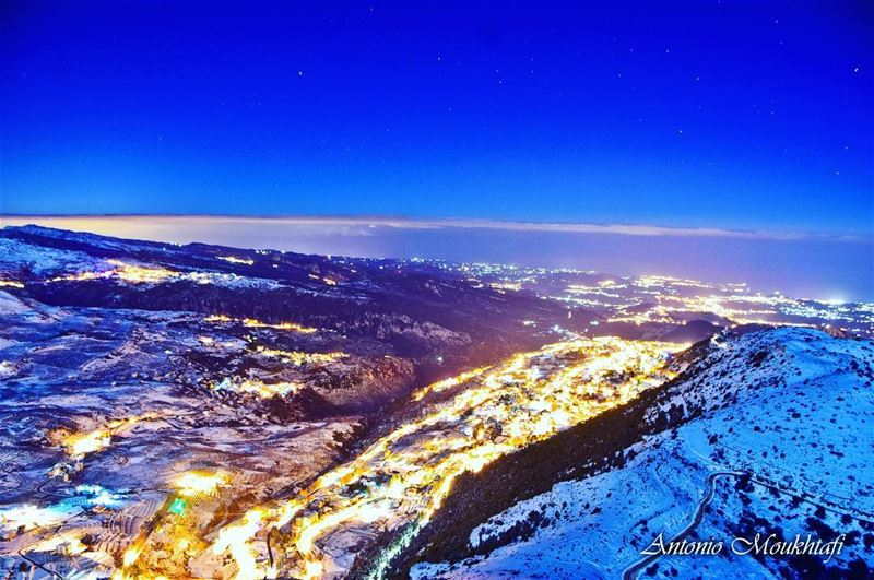 Eden in white ❄️ ehden snow night dark lebanon moutains stars ... (Ehden, Lebanon)