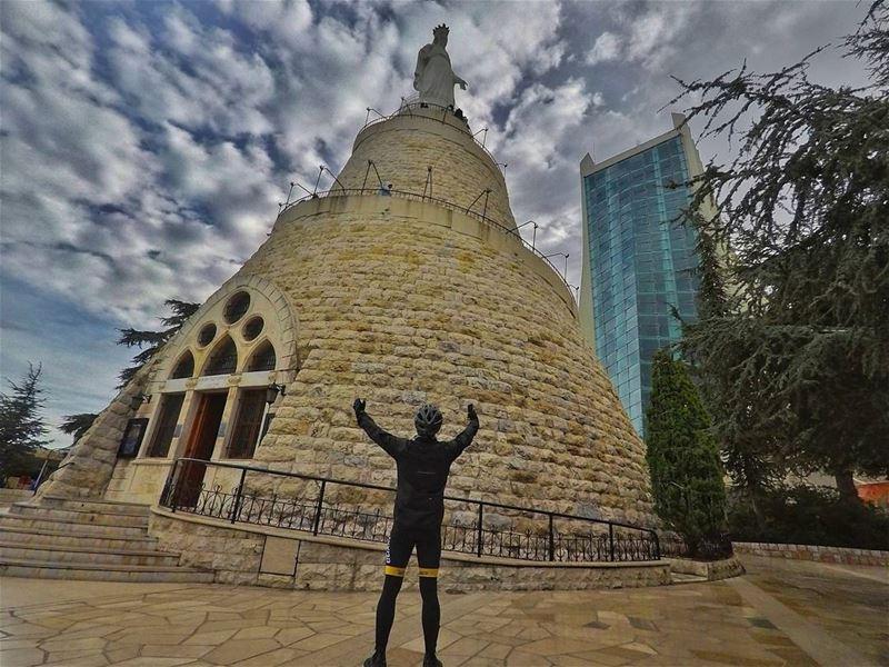 انا من لبنان..انا من كل الاديان ❤...... harissa livelovelebanon ... (سيدة لبنان حريصا)