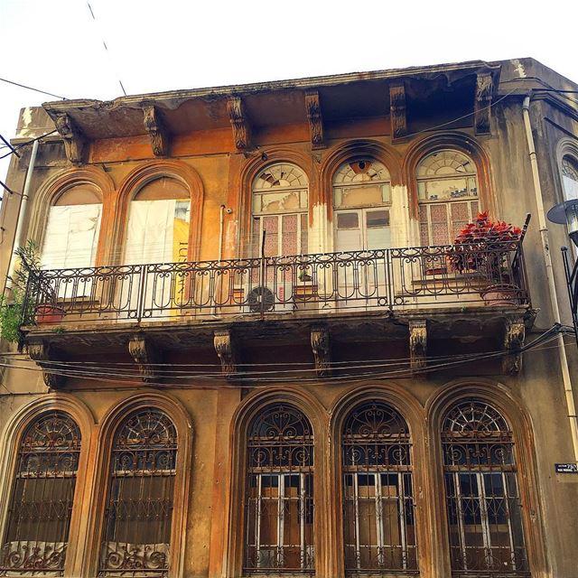 Bruised and broken but still standing! beirut lebanon building city ... (Trainstation Mar Mikhaël)