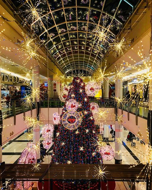 Sapin de Noël 🎄 - 📍 cityMall christmas christmasdecorations ... (BHV Lebanon)