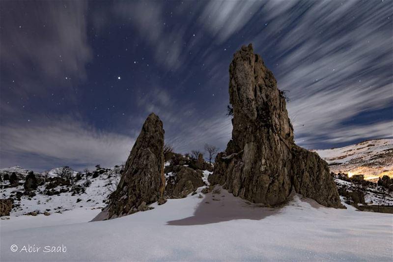 Look up & marvel at the universe!! Lebanon tannourine snowy❄️ ... (Tannurin Al Fawqa, Liban-Nord, Lebanon)
