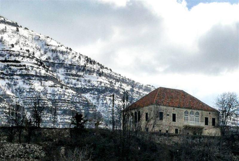 ____________________________________________ Monday libano house montain... (Lebanon)