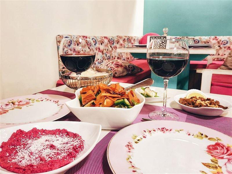 Ливанская кухня свела меня с ума с первого укуса, практически сместив с пье (Ehden, Lebanon)