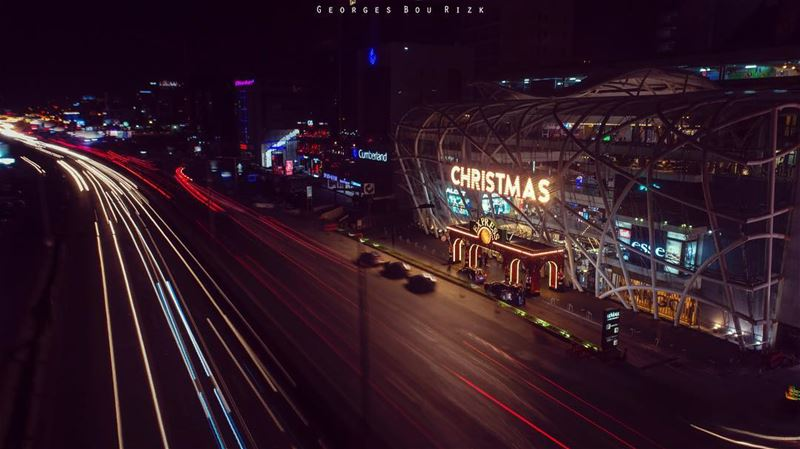A simple  longexposure of  lemallchristmasexpress and  dbayeh  highway..... (Le Mall Dbayeh)
