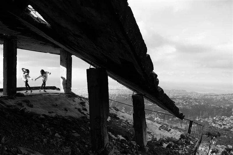 ~ War Scars ~... bw bnw bnw_captures bnwmood blackandwhite ... (Beirut, Lebanon)