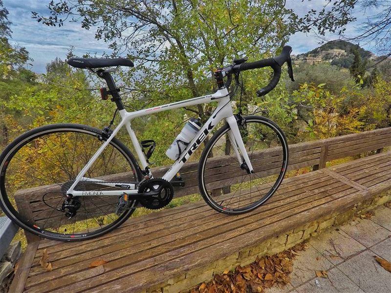 My whitey Emonda deserves a photoshoot 🚴😁 trek emonda trekbikes ... (Batha', Mont-Liban, Lebanon)