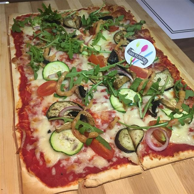A very tasty vegetarian pizza 🍕 😍😍 Highly recommended 👌☝️ @cheatsnk ... (Cheatsnk)