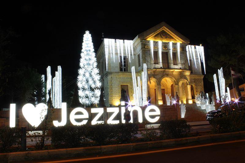 christmas season christmastree christmastime christmas2017 lebanon ... (Jezzîne, Al Janub, Lebanon)