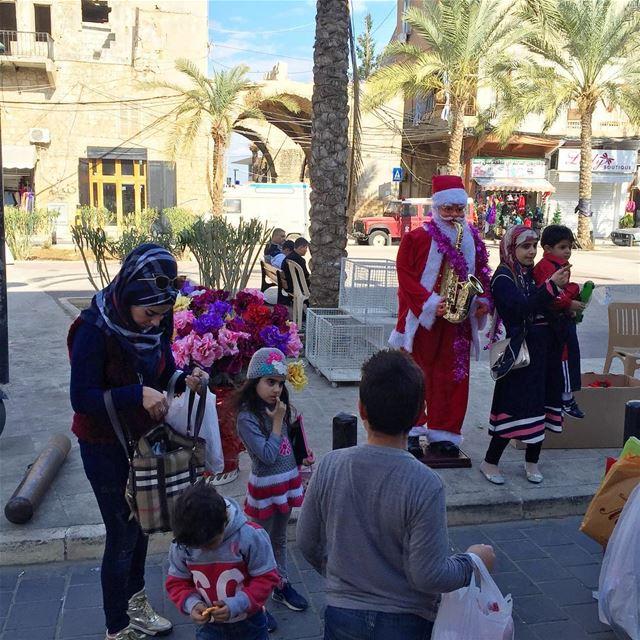 Affection for Santa is interreligious Lebanon Tyre Christmas Santa ... (Tyre, Lebanon)