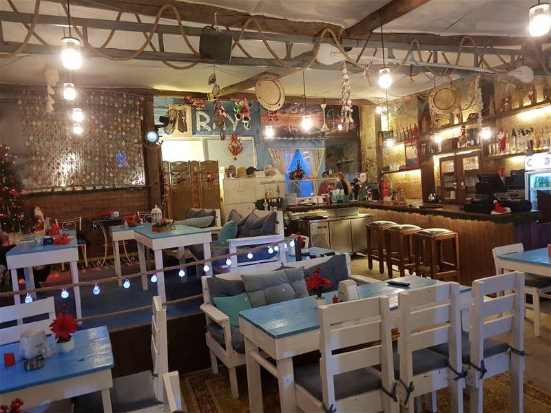 batroun @raysbatroun cafe restaurant bahsa batrounbeach batrouncoast... (RAY's Batroun)