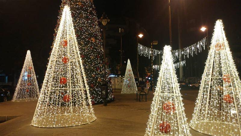 christmas liveloveachrafieh livelovelebanon Lebanon lebanon_hdr ... (Sassine Square Achrafieh)