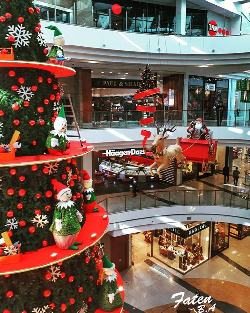HoHoHooo🎅🎅👉Follow and Tag👈➡@instaamici➡@super_lebanon➡@ptk_lebanon... (City Centre Beirut)