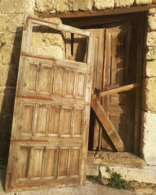 The doors will be opened to those bold enough to knock todaysic doors ... (Byblos - Jbeil)