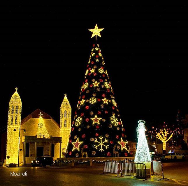 christmastree christmastime nikontop nightshot ig_nightphotography... (Dhour choueir)