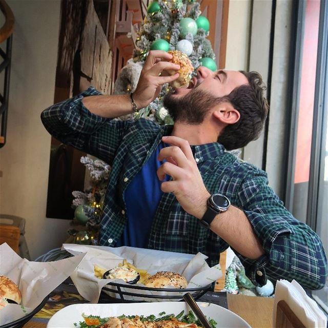 Foodies Ain't Got Sh*t On Me 🤣 @zaatarwzeit ZWZBoomBurger Competition... (Zaatar W Zeit)