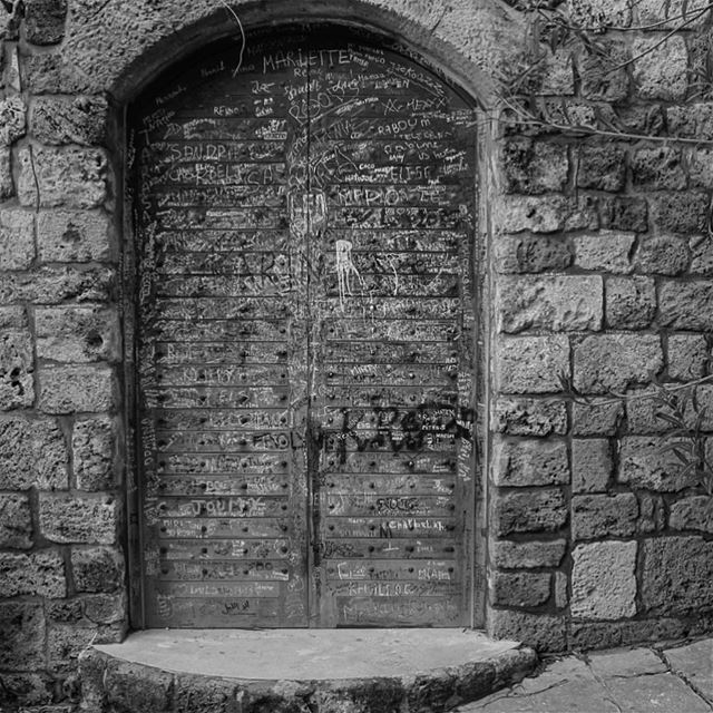 The door to happiness opens from the inside. lebanon jbeil byblos door... (Byblos - Jbeil)