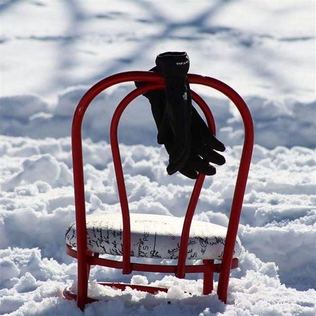 Memories of winter past! winter winterphotography snow chair gloves ... (El Arz, Liban-Nord, Lebanon)