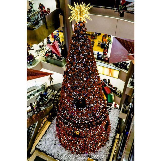 Christmas tree Beirut Lebanon ig_great_shots_me bd_shotz ... (Habtour,Le Mall-sin el fil)