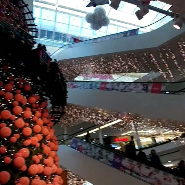 Cities and malls alike are competing for the best Christmas display. Here... (Le Mall Dbayeh)
