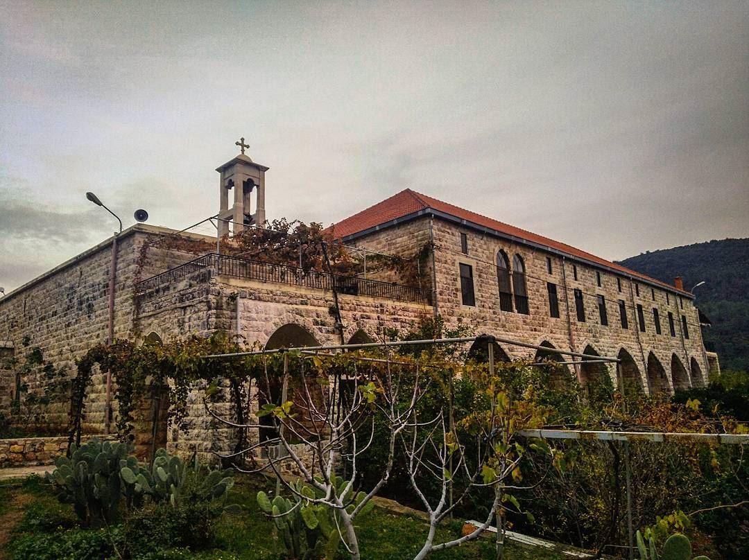 joun aalman church eglise christians lebanon liban cross ... (Der L Mkhales Joun)