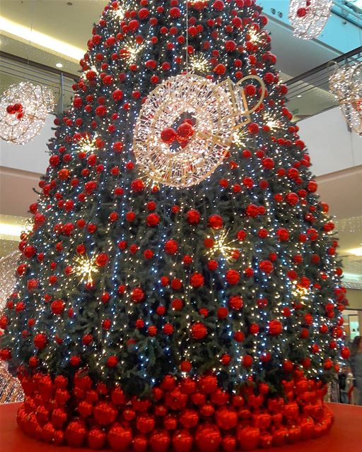 That's the season to be jolly..lala lala la la la la la 🎶🎶🎶  CityMall  ... (Beirut, Lebanon)