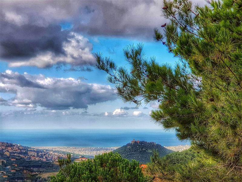 The best view comes after the hardest climb ! ... lebanon amazingview... (Dahr Es-Suwan, Mont-Liban, Lebanon)