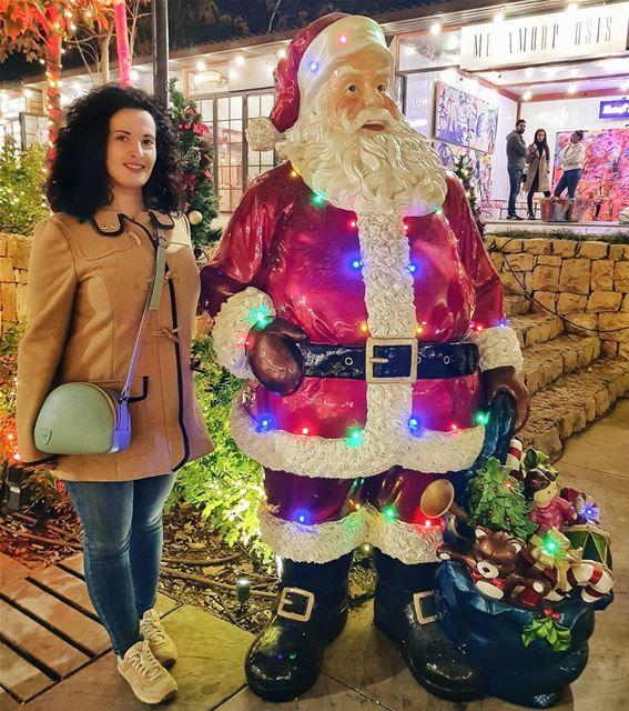 My kind of Christmas friendship 🎅 У каждого человека свои достижения: спор (Beirut, Lebanon)