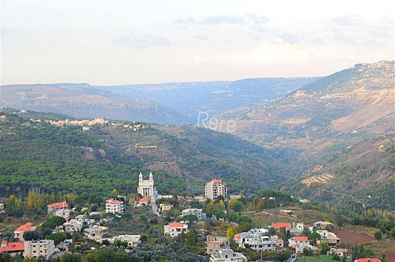 الساعة تهرول و أنت كذلك! whatsupplebanon liveloveserjbel ... (Jezzîne, Al Janub, Lebanon)