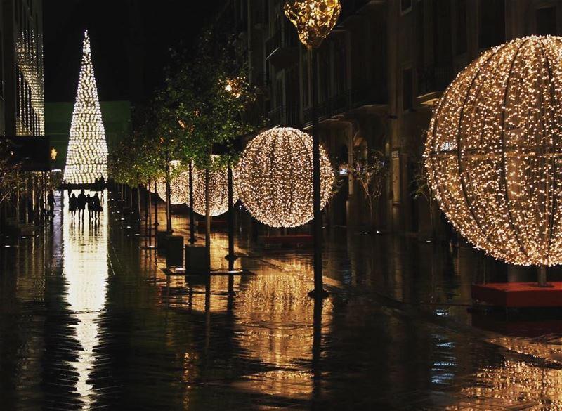beirut christmas lebanon 2017 christmas2017 christmastree christmasgifts...