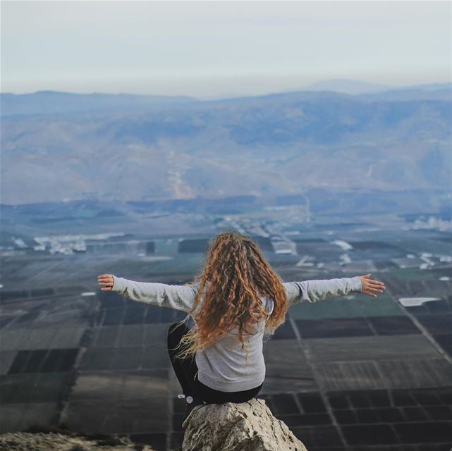 """@marly.diab taking my pose to a """"Higher"""" level ❤️ Much love PS: Don't... (Râs Knîssé)"""