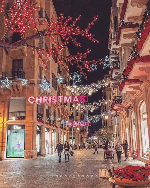 Beirut wearing Red • Christmas 2017 🇱🇧..... beautifullebanon ... (Beirut, Lebanon)