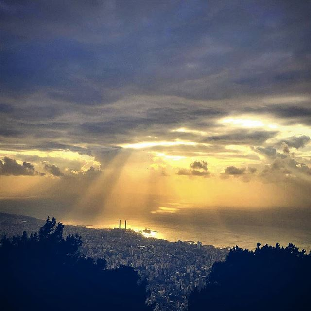 When I admire the wonders of a sunset or the beauty of the moon, my soul... (Jounieh)