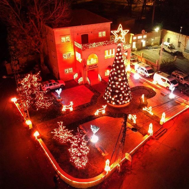 Christmas at the village🏡...🎄🎅🎉❤️  christmasdecorations ... (Bologne, Mont-Liban, Lebanon)