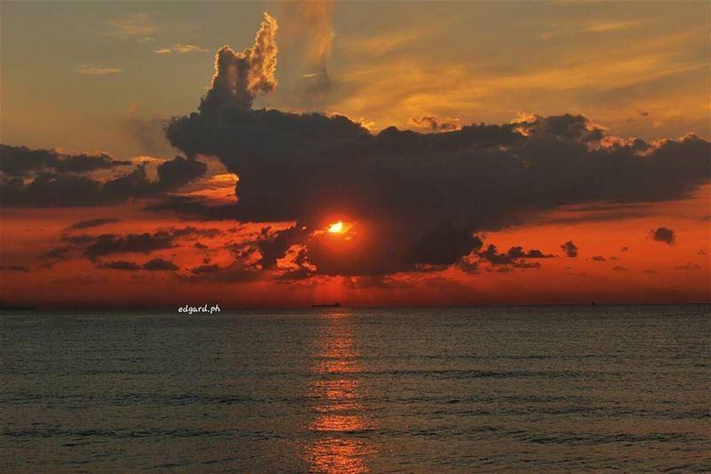An amazing sunset from Tripoliمغيب الشمس من طرابلس - شمال لبنانPhoto... (Tripoli, Lebanon)