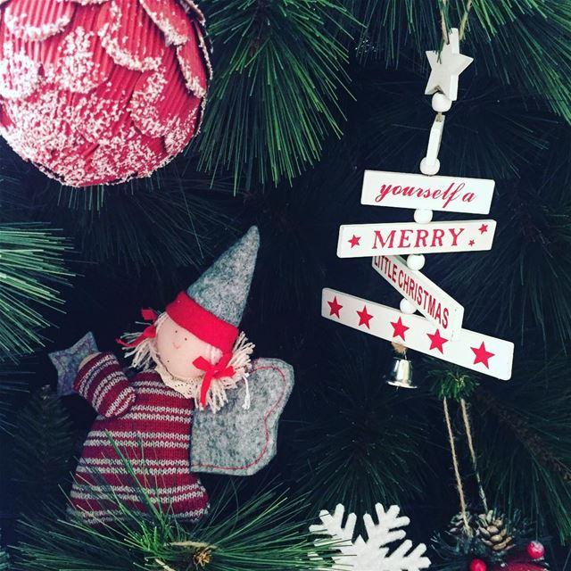 christmas tree festive season merrychristmas lebanon picoftheday... (Jeita-Keserwan)