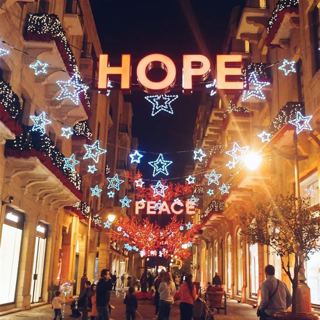 HOPE & PEACE from Beirut christmastime christmas2017 beirut lebanon ... (Downtown Beirut)