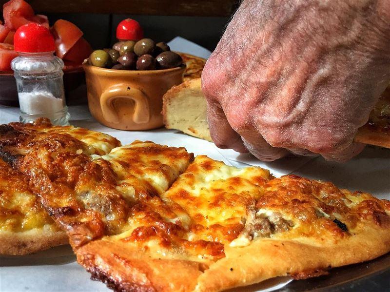 """The Handcrafted """"Man2oushe"""" ... 😋😍 livelovebeirut lebanonspotlights... (Baskinta, Lebanon)"""